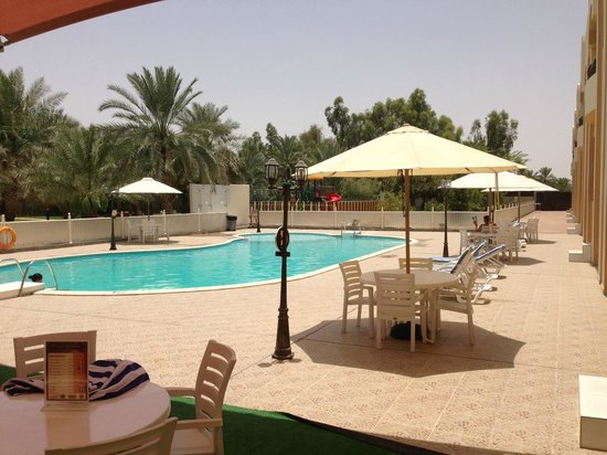 Asfar Resorts Al Ain: Nice pool area