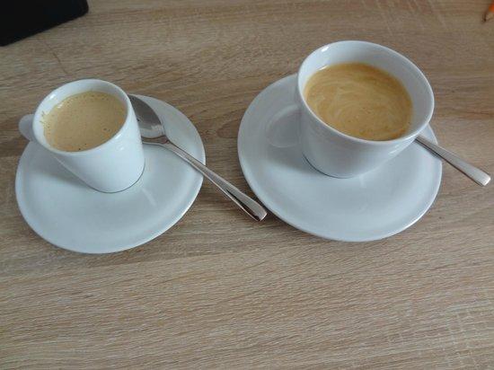 Simm's Hotel: Coffee