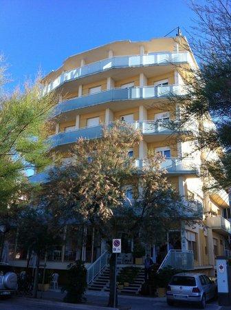 Hotel Senigallia: Fronte dell'Hotel