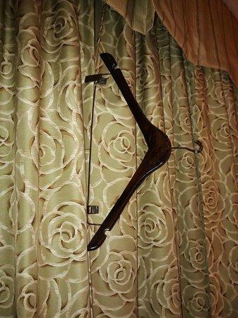 Homewood Suites by Hilton Toronto-Markham: keeping the room dark at night