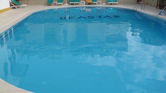 Seastar Aparthotel: the pool
