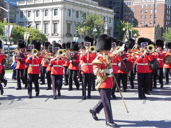 Ottawa Walking Tours : Troca de Guarda