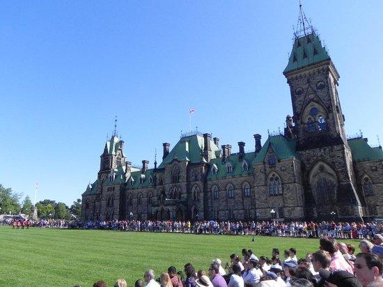 Ottawa Walking Tours : parlamento area