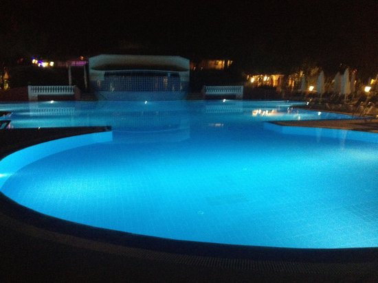 Club Belcekiz Beach Hotel: The Pool at night!!