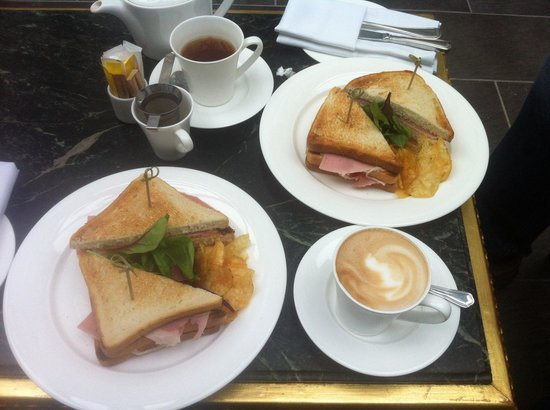 11 Cadogan Gardens: Club sandwich