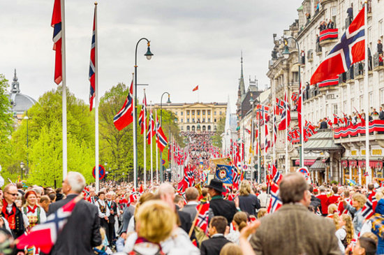 Noruega: Constitution Day in Oslo. Photo: Terje Borud - Visitnorway.com