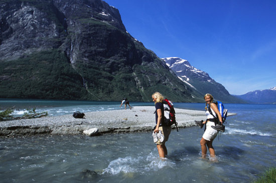 Norwegen: Loen lake. Photo: Terje Rakke/Nordic Life/Fjord Norway
