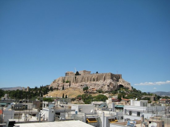 The Athens Gate Hotel: the view of the acropolis from the roof top