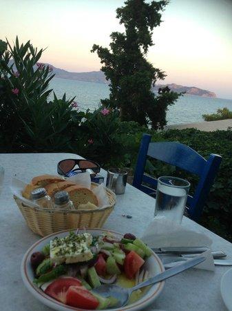 Alexandra's Hotel: A taverna in Skliri