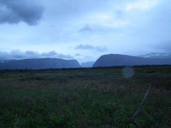 Shallow Bay Motel & Cabins: Western Brook Pond