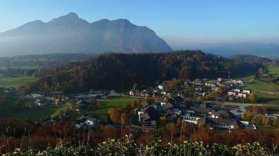 Gastehaus Waldeck: Gästehaus Waldeck - Blick von der Plainburg auf das Gästehaus