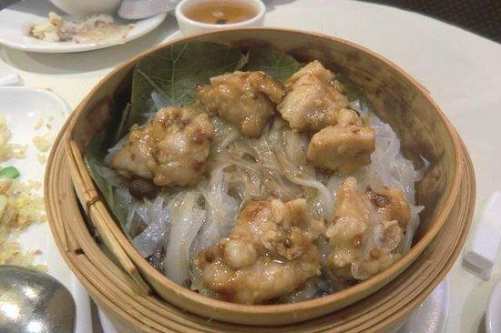 Che's Cantonese Restaurant: 排骨陳村粉