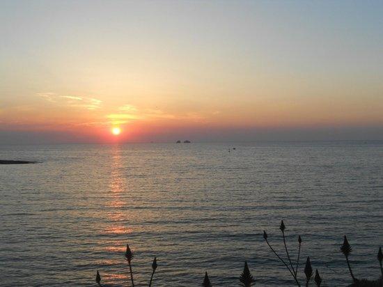 Hotel Nikolas: Ηλιοβασίλεμα από το χώρο της καφετέριας