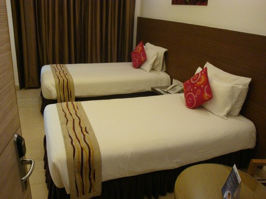 Iris Park Hotel: Twin Bedded Room in East Wing