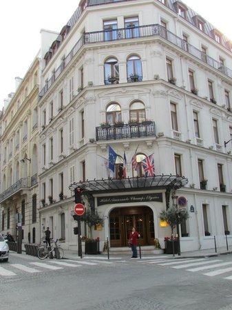 Amarante Champs-Elysees: Fachada do Hotel