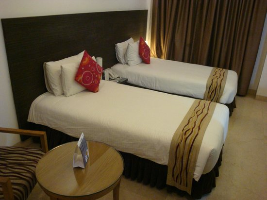 Iris Park Hotel: View of Twin Bedded Room in East Wing