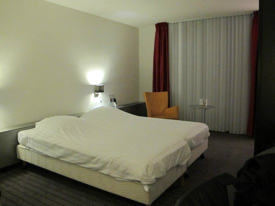 Select Hotel Apple Park Maastricht: clean comfortable basic rooms