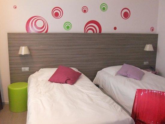 Mercure Venezia Marghera hotel: 壁紙がかわいい部屋です