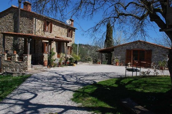 Podere Prati: Main house and Bungalow Il Cipresso