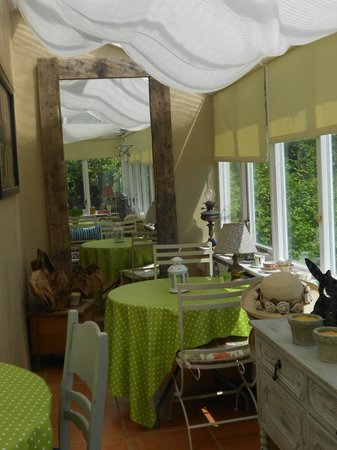 Holton, UK: Breakfast in the Conservatory