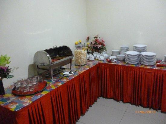Vindhika Hotel: breakfast