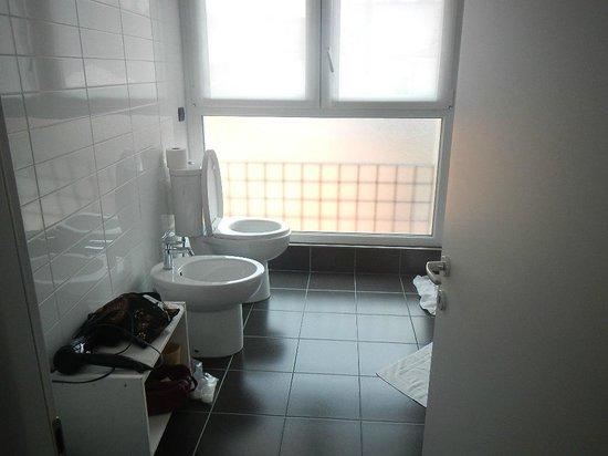 Stresa Residence : upper bathroom