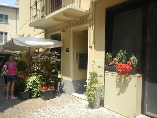Stresa Residence: Front Entrance