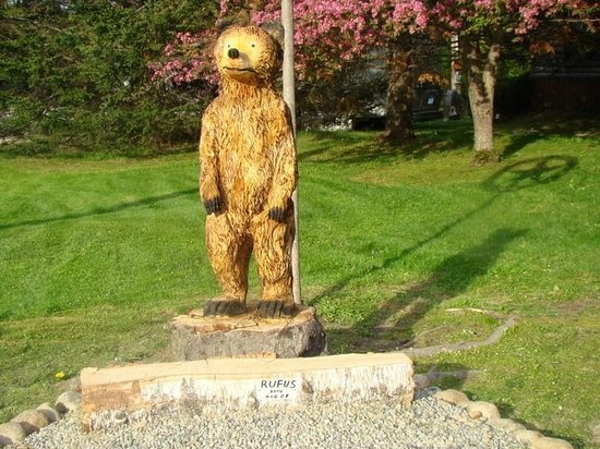 Lost River Valley Campground: Rufus the bear.great photo op