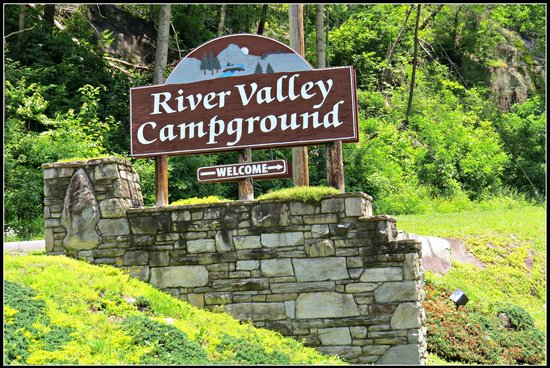 River Valley RV Park & Campground: Entrance