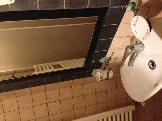 Domus Ester: particolare bagno