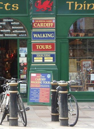 ‪Cardiff Walking Tour‬