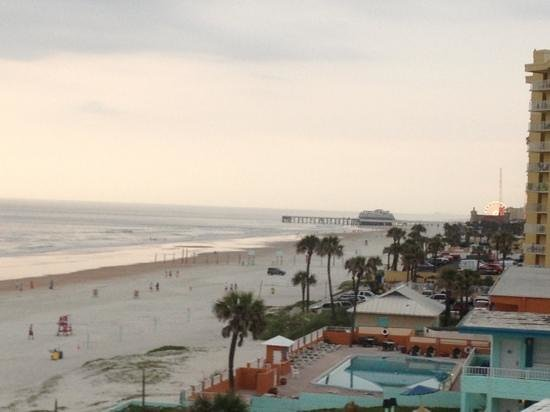Daytona Inn Seabreeze: room view
