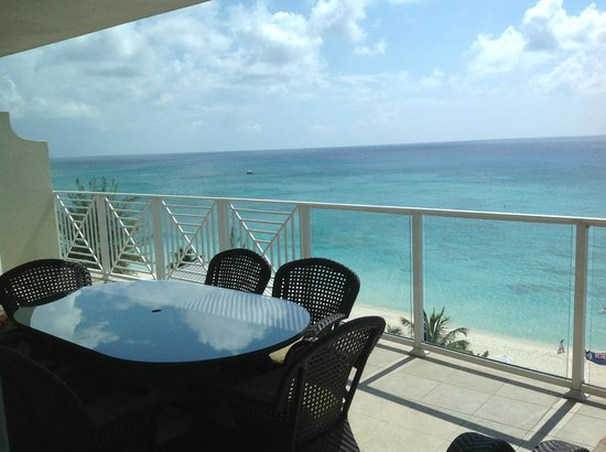 Caribbean Club: Huge balcony with amazing views!