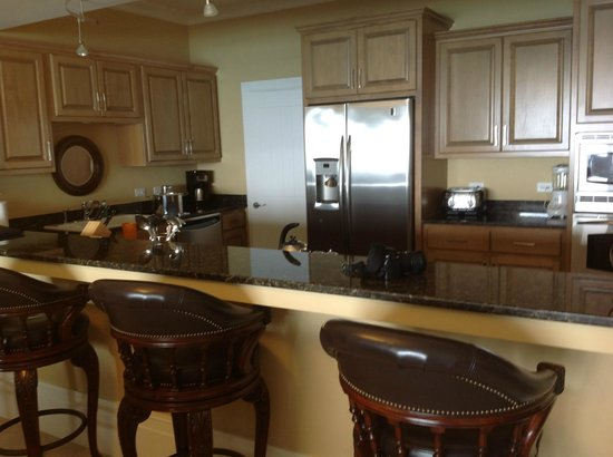 Caribbean Club: Very large high end kitchen!