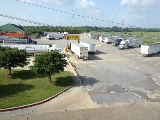 Best Western Orange Inn & Suites : Truck stop view from our window.