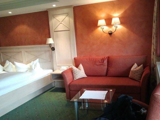 Hotel Filser: Kaminzimmer: Sitzecke