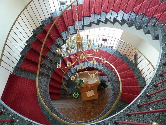 Hotel Filser: Blick auf die Wendeltreppe