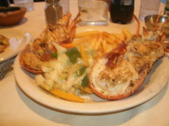 Jamaica Tamboo Resort : Signature  Meal Lobster and Fries