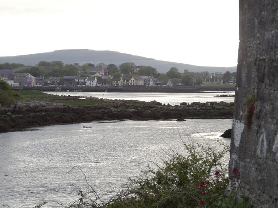 Fallon's Bed and Breakfast : The view back to Kinvara from Dunguaire Castle.  Fallon's B&B would be near the photo's left edg