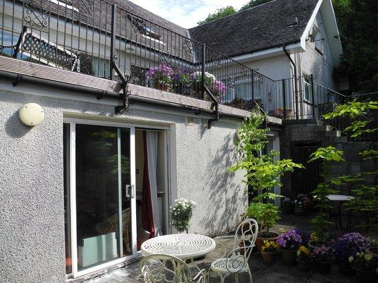 Castlecroft : Zimmer mit Terrasse
