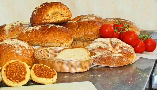 Twig and Spoon Restaurant: Bread delivered daily