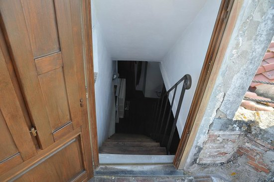Antico Borgo : stairs to the terrace / very steep