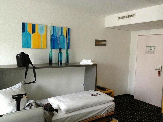 Ibis Styles Stuttgart : Entrance room/living room