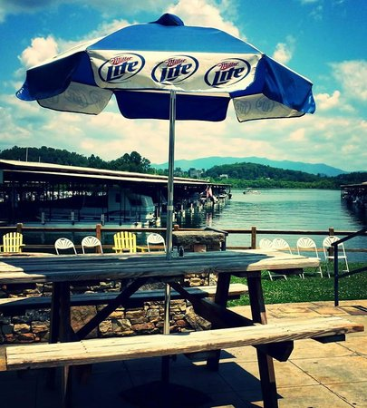 The Blue Otter Restaurant and Sports Bar: This seat is waiting for you!