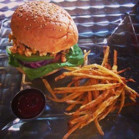 Sugarpop: Mango and shrimp burger