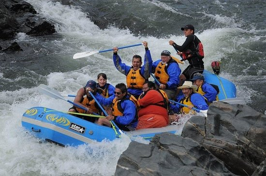Waterfall Buffet : Rafting on the American River.