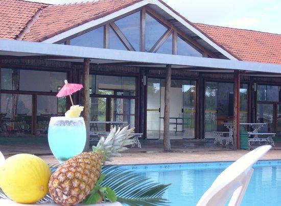 Hotel Fazenda Mar Doce: Piscina e Salão de festas