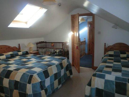 Lakeshore House B&B: Family Bedroom