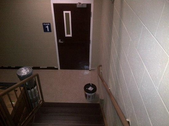 Microtel Inn & Suites by Wyndham Duncan/Spartanburg: Paint and boxed furniture stored in stairwell/fire escape