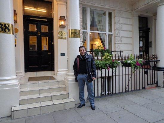 The Byron Hotel : Fachada do Htl Byron